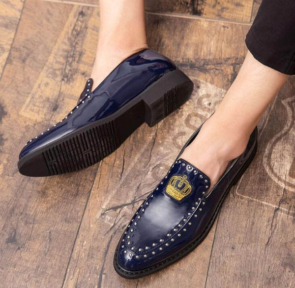 New Men Dress Leather Shoes for men Luxury British glitter rivet embroidery crown Oxfords Classic Gentleman wedding prom Shoes