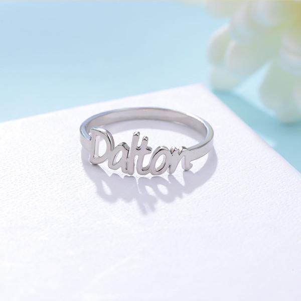 Nome da Cor do ouro Anel de Design Exclusivo Anel de Moda para As Mulheres Venda Quente Anéis de Nome Personalizado Populares Anéis Iniciais Personalizados em 2018