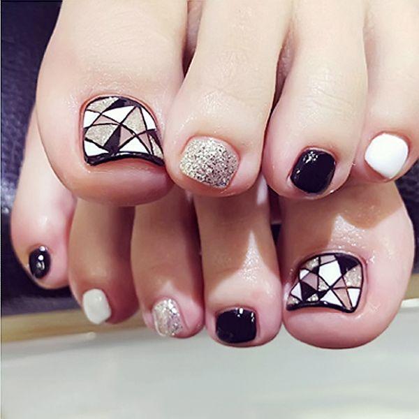 2019 new 24PCS / box acrylic false toenail black and white gold glitter geometric pattern fake nail patch art tips boxed nails
