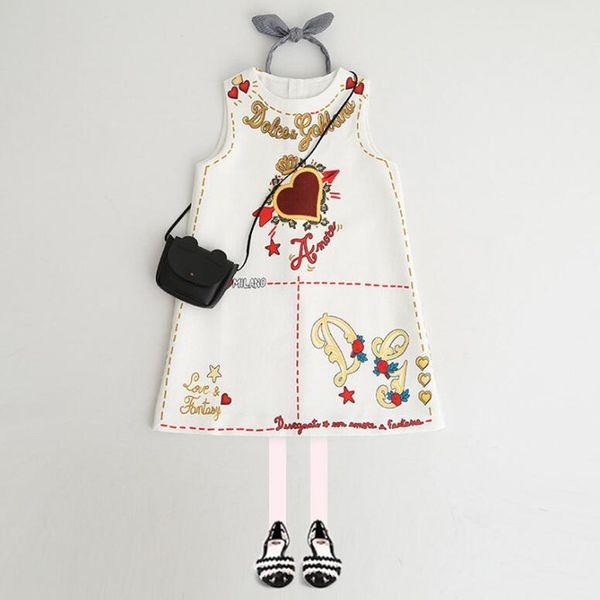 Çocuk Giysileri Bebek Kız Elbise Yeni Avrupa Ve Amerikan Tarzı Bahar Yaz Sundress Mektup Kalp Çocuk Kız Kıyafetler Için Baskılı