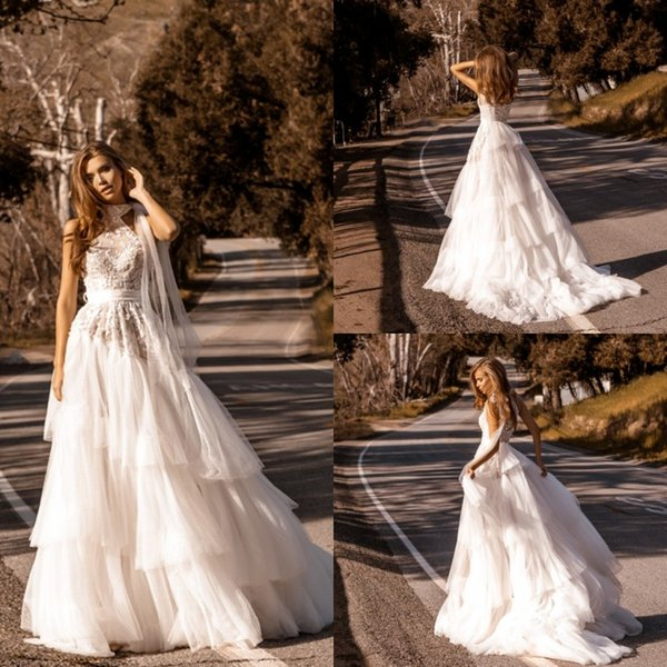 2020 A Line Beach Wedding Dresses Halter Appliques Tulle Tiered Skirts Wedding Dresses Sweep Train Boho Bridal Gowns