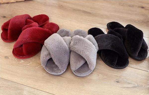 2019 Gute Qualität LuxuxMens Damen Herbst Winter Gummisohle PlushScuffs Designer Hausschuhe Indoor Schuhe Größe 36-41 Mit zapatos de mujer