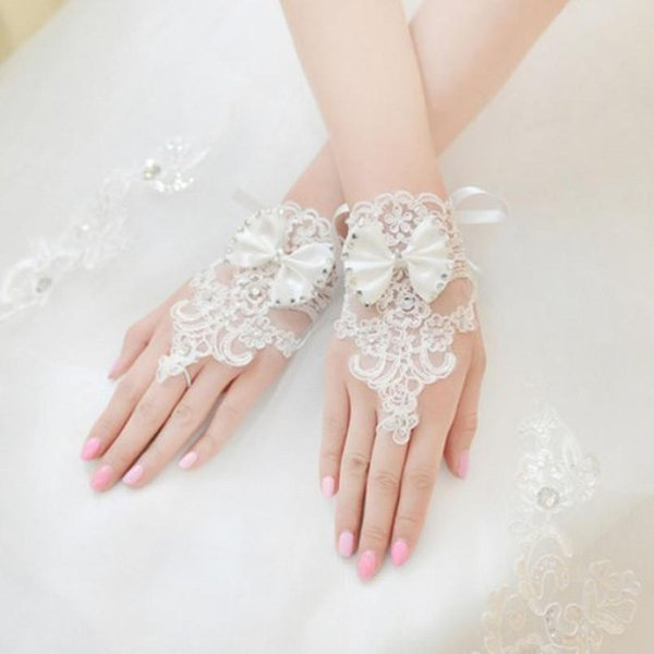 Wholesale- Women WeddingLace Fingerless Gloves Rhinestone Lace Brides WeddingBowknot Fingerless White Red Ivory Cheap Accessories 324