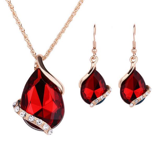Nueva moda Diseño de gota de agua Rhinestone Collar colgante Pendientes de gancho Elegante conjunto de joyas para dama