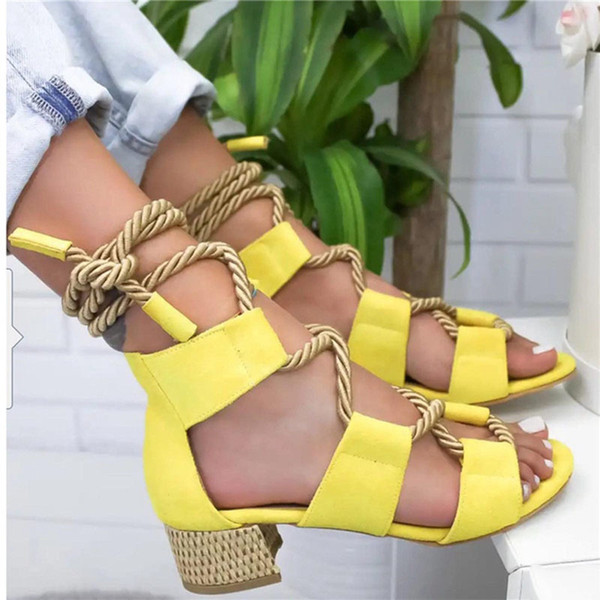 2019 marque de mode vente chaude! Coloré sandales de liaison de corde de chanvre avec bouche de poisson Sandales grande taille creux pour femmes pour femmes avec de gros talons