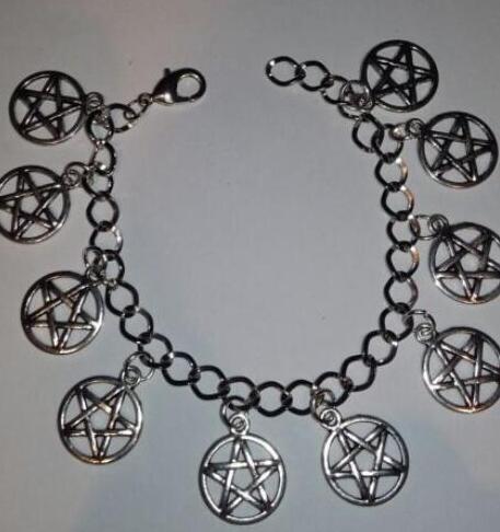 Pentáculo Charm Bracelet Vintage Silver Wiccan Charm Infinity Pentagram Beads Cuff Bracelet Tobilleras Joyería Regalo de las mujeres Accesorios