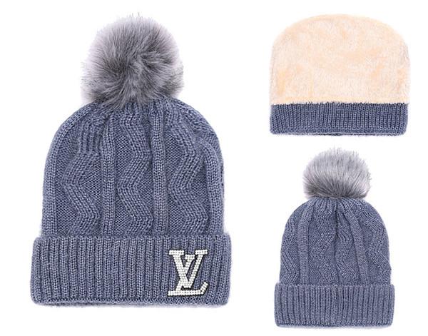 Unisex Marca Mon Fleece Hats Invierno Piel de punto Poms Beanie Label Fedora Cable de lujo Slouchy Skull Caps Moda Mujeres Niñas Sombrero caliente