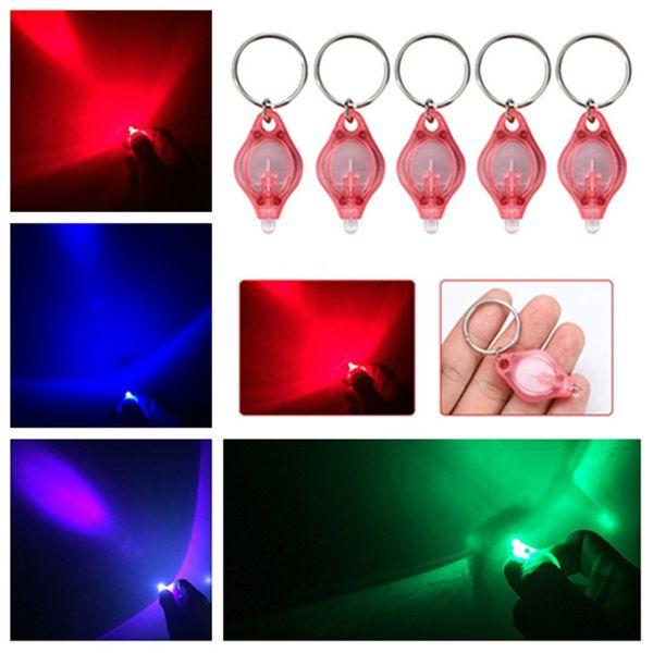 nouveau 39 * 22 * 7mm lampe à LED Keychain Détecteur Portable LED Lumière Keychain voiture Pendentif clé Accessoires 4 styles Mode AccessoriesT2C5132