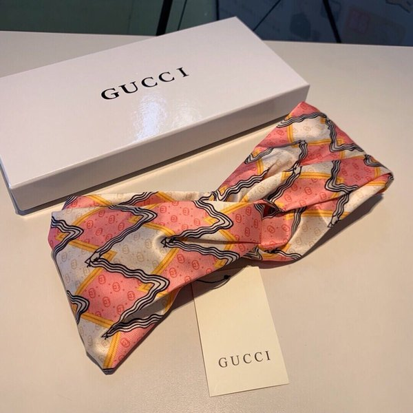 2019 new silk scarf scarf women hair bands Italian brand all C 100% silk trademarks girl cross heaedband Headwraps high grade 2306