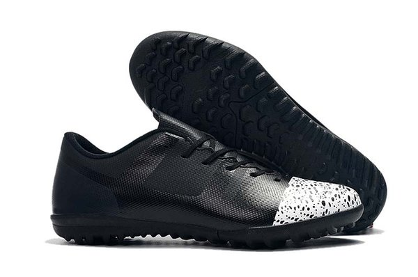 11.Black White TF