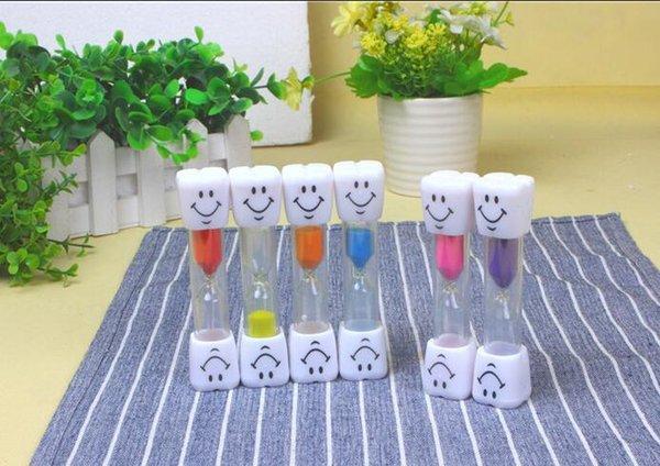 Mini Smiling Smile Face Sandglass Hourglass Sand Clock Glass Timer 3 Minutes Fashion