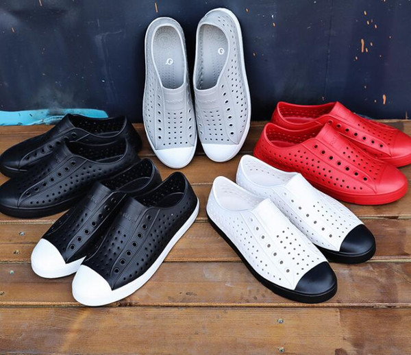 18 colori Donne Native Jefferson Scarpe Sandali Fashion Lovers Hole Shoe Scarpe piatte Casual Native Summer Shoes taglia 35-44