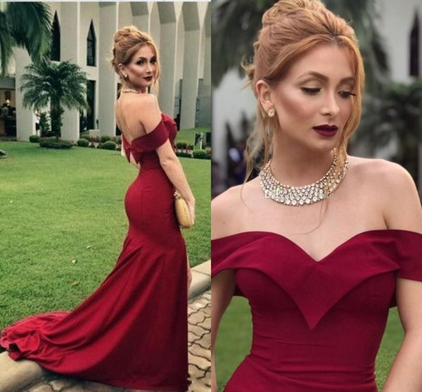 Dark Red Side Split Mermaid Bridesmaid Dresses 2019 Off Shoulder Backless Sweep Train Garden Country Wedding Guest Gowns Maid Of Honor Dress