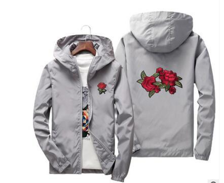 All'ingrosso Rose Jacket Windbreaker Men And Women '; S Jacket Felpe primavera estate Kid Family New Fashion White and Black Roses Outwear