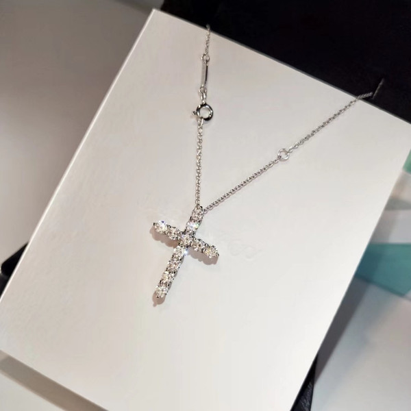 2019 hot sale ladies pendant necklace hip hop silver cross pendant jewelry ladies necklace with out of the chain alloy gold-plated jewelry