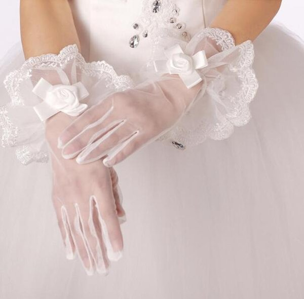 Real Photo 2018 Bridal Gloves White Lace Full Finger Wrist Length Wedding Gloves Tulle Cheap Bridal Accessories