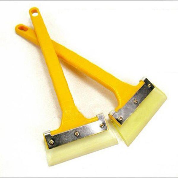 top popular Ice Scraper Snow Shovel Garden Tools Glass Wiper Wind Shield Scraper 2021