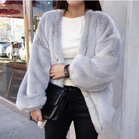 Furry Women Coats 2019 Winter Furry Women Шуба с длинным рукавом сгущает V-образным вырезом Дамы Большие куртки из искусственного меха Куртки M476