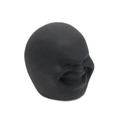 أسود (XI)