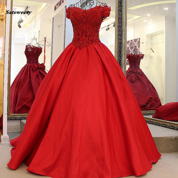 Red Vintage Puffy Ball Gowns V-neck Beaded Bow Saudi Arabic Prom Dresses Appliques Lace Up Formal Party Dress Robe De Soiree