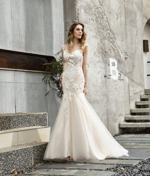 Charming 2020 Bateau Sheer Neck Mermaid Wedding Dresses Court Train Capped Sleeves Lace Appliques Wedding Dresses See Through Back Bridal