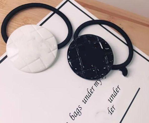 Vendita calda! Nuovo 20194PCS diamante reticolato cravatta con C matel mark Accessori di lusso oggetto da collezione Acrilico corda per capelli rotonda o quadrata Buono
