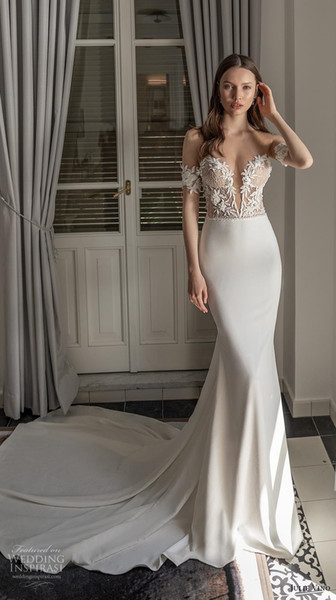 2019 Bridal Sleeveless Sweetheart Off the Shoulder Fully Embellished Lace Trumpet Fit Flare Wedding Dress