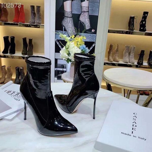 Yüksek topuk Spike Boots On Yenilik Sonbahar Kış Orta Buzağı Lüks Tasarımcı Deri Siyah Kadın Çizme Sivri Burun Parti Elbise Ayakkabıları Lady pompaları