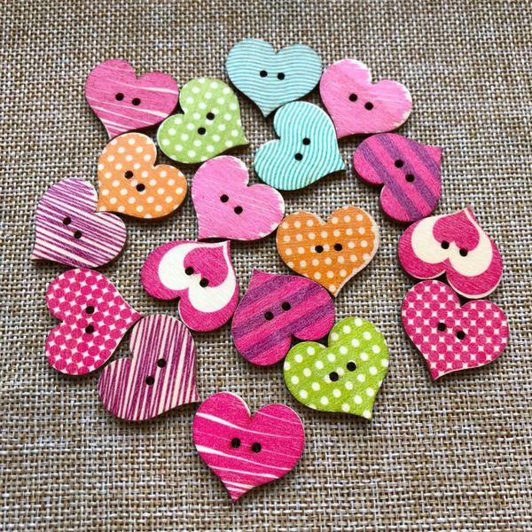 500PCS Wood Cartoon with Flower Case Love Button Multi Color Heart Pattern Craft DIY Scrapbooking Decorative 2 Holes Buttons