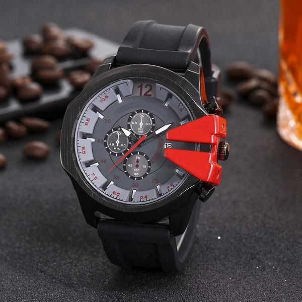 Novo Top de Couro de luxo Moda Mens Relógios De Pulso designer popular Relógio de Quartzo à prova d 'água Esportes Militares mens Relógios Pretos