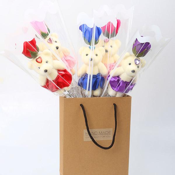 Un pequeño osito con flores de jabón Regalo de San Valentín Ramos de rosas falsas Actividades promocionales para promover pequeños regalos flores falsas