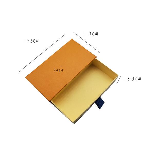Lápiz de labios una caja más ligera