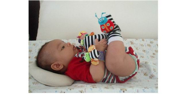 2018 sozzy Wrist rattle & foot finder Baby toys Baby Rattle Socks Lamaze Plush Wrist Rattle+Foot baby Socks 400pcs