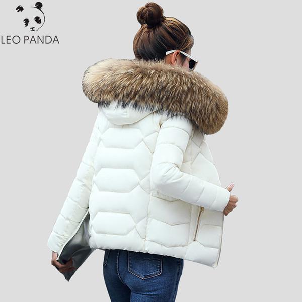 Теплый меховой воротник с капюшоном сгущает короткие женщины ватник тонкий мода дамы парки зима свободного покроя плюс размер женский ватные пальто