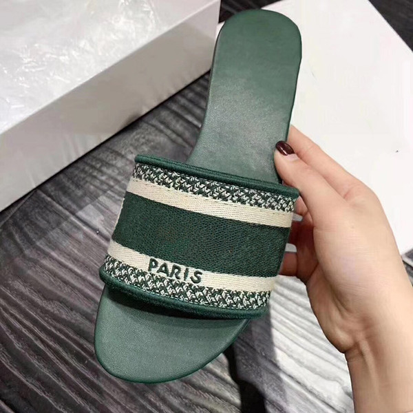 best selling classic joker fashion women shoes sandals Round head Canvas portable Outdoor beach Flats with low heels hard slipper shoes 35 to 40