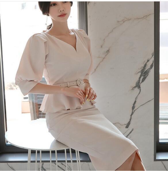 Büro-Dame mit koreanischer Version 2019 mit V-Ausschnitt, Puffärmeln, gekräuseltem Hemd und Rockanzug