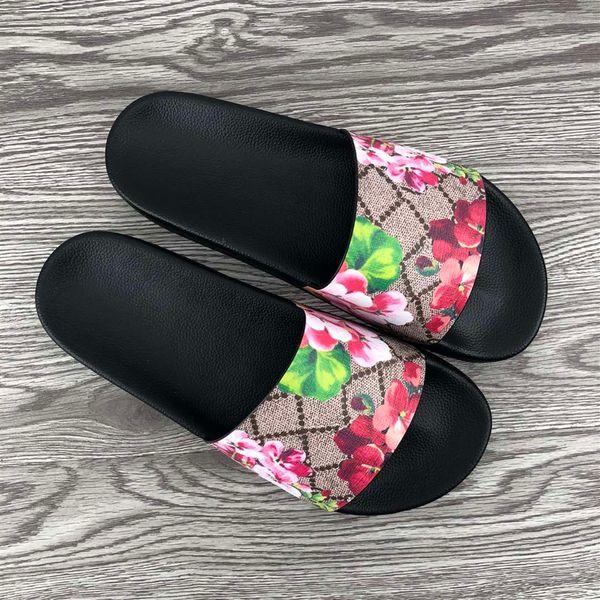 2019 Lüks Tasarımcı Terlik Yaz Moda Çiçek brokar Kauçuk Geniş Düz Slayt Erkek Kadın Plaj nedensel Sandalet Sneakers Flip Flop Boyutu