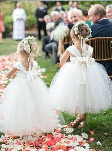 Cute Ballkleid Blumenmädchenkleider Big Bow Plissees geraffte Spaghetti Square Girls Pageant Kleid Erstkommunion Kleid Kinder Hochzeit