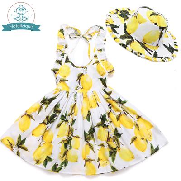 vestido de limón con sombrero