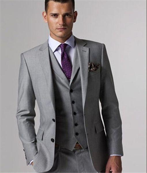 La nueva llegada por encargo de la Luz Tailcoat hombres juego determinado de la boda delgado de los trajes del novio esmoquin gris para hombre (chaqueta + pantalones + chaleco + tie) C190416