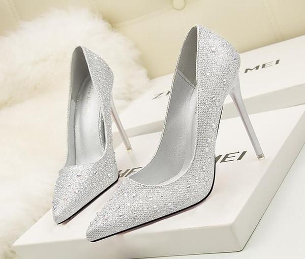 Korean version of the fashion sweet and elegant elegant fine with high-heeled shallow mouth thin pointed diamond rhinestone wedding shoes fr
