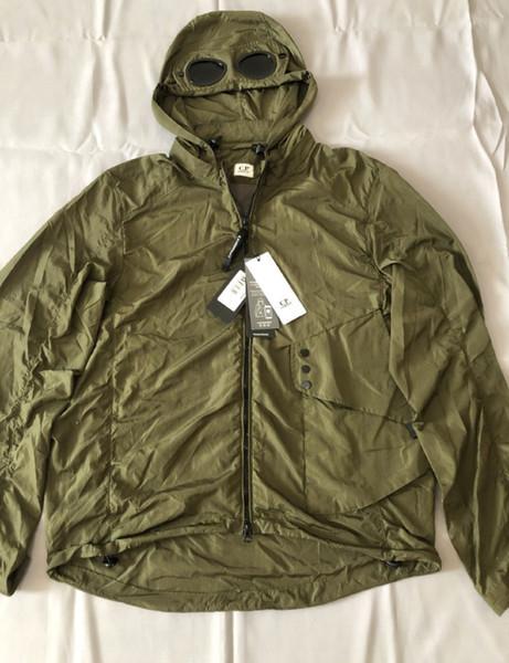CP 회사의 스포츠 용 재킷의 일종 금속 나일론 남성 야외 재킷 캐주얼 CP 후드 크기 M-XXL 검은 군대 녹색 두 잔