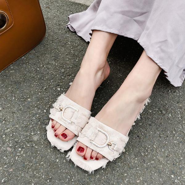 Toptan Tasarımcı 2019 D Harfi Terlik Kadın Kapalı Sandalet Kız Moda çevirme Kırmızı Siyah Beyaz Slaytlar En İyi Kalite