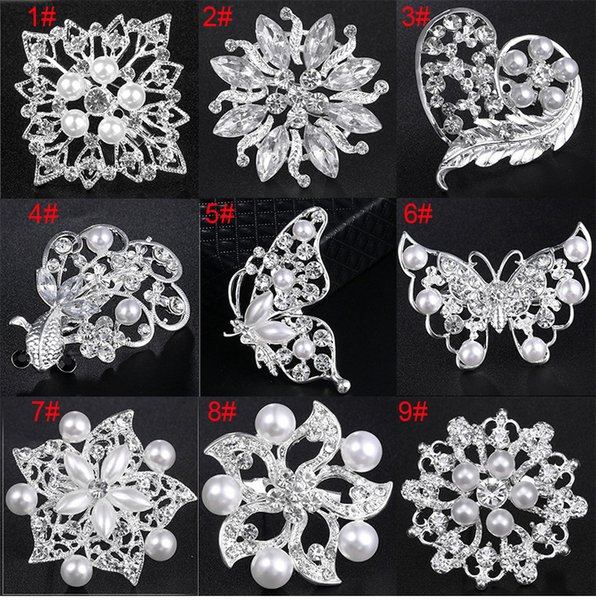 Mixed 25 Styles Luxury Fashion Silver Crystal Women Brooch with Pearl Cheap Wholesale Stunning Diamante Lady Costume Pin