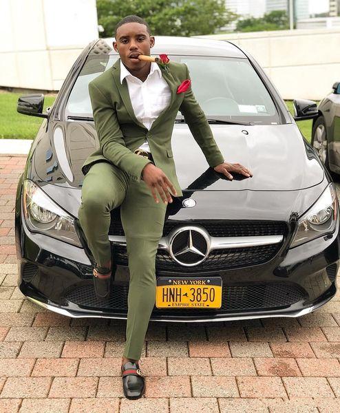 2019 Pareja de baile barato verde oliva para hombre trajes Slim Fit dos piezas Padrinos de boda Esmoquin de boda para hombre traje formal de baile (chaqueta + pantalones)