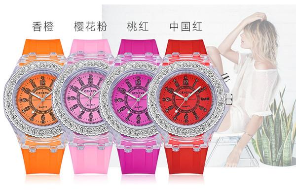 Moda barata Luminous Geneva Assista Movimento Quartz Casual Silicone Strap Meninos Meninas Luminosos LED Couple Watch Student Gift Watch
