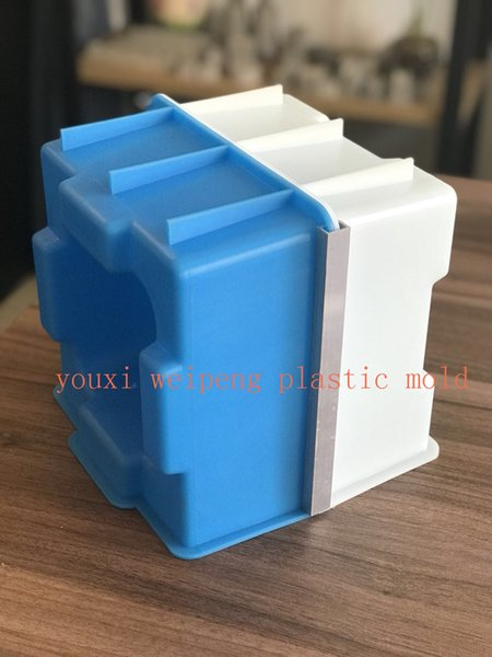 top popular Hollow Interlocking brick Mold for building house 200*200*200mm 2021