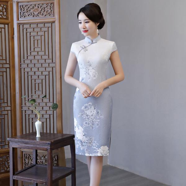 Qipao Langes Cheongsams Kleid Chinesische Frauen Satin Traditionelle Retro Cheongsam Kurzarm Sexy 2019 Sommer Knielanges Kleid