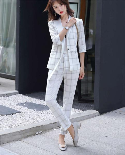 Branco terno de calça longa