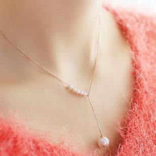 Acessórios coreanos feminino colar de pingente de pérola doce em forma de Y temperamento simples cadeia de clavícula curta